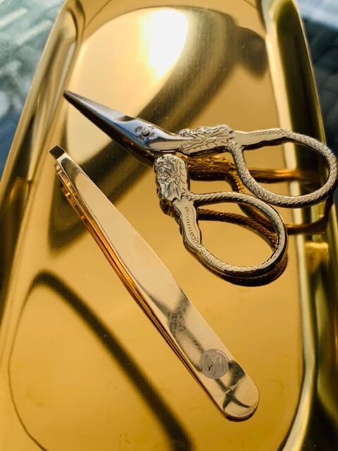 B3 Combo Golden Brow Scissors and Tweezers